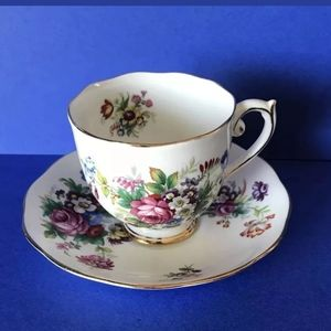 Roslyn Vintage Teacup & Saucer